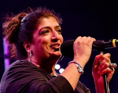 Sajeela Kershi holding mic