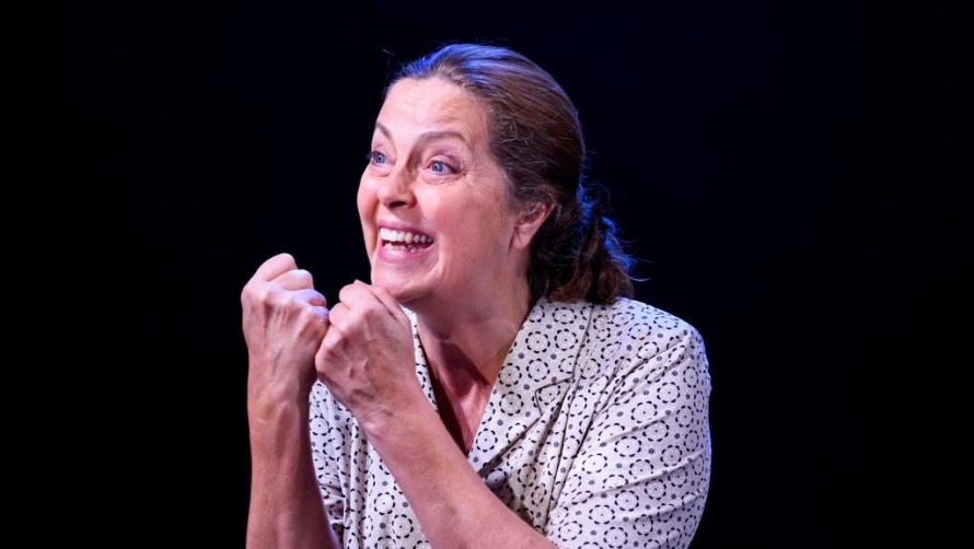 Greta Scacchi in The Glass Menagerie