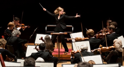 Mirga Gražinytė-Tyla conducts the City of Birmingham Symphony Orchestra
